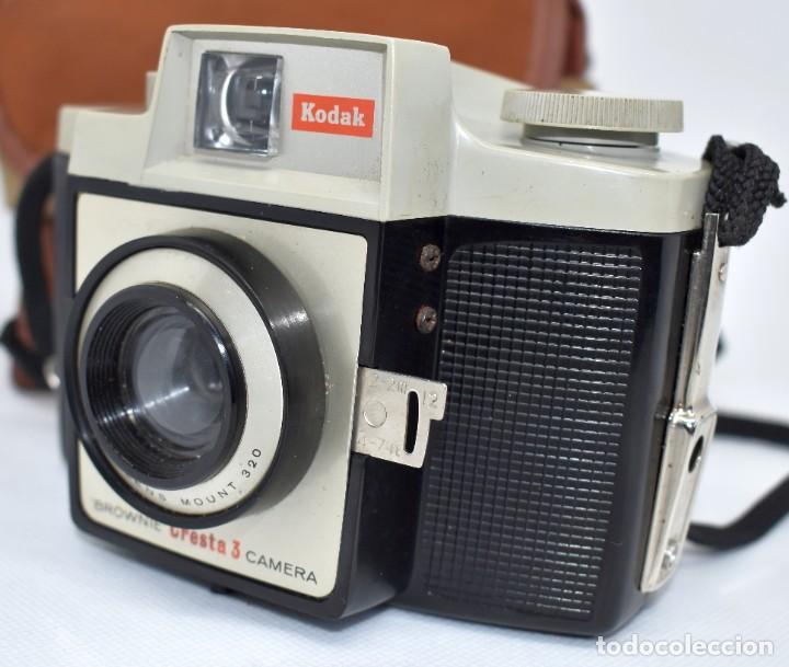 Cámara de fotos: CAMARA ANTIGUA, 120FILM..KODAK BROWNIE CRESTA 3 + FUNDA..INGLATERRA 1960..MUY BUEN ESTADO..FUNCIONA - Foto 4 - 288014968