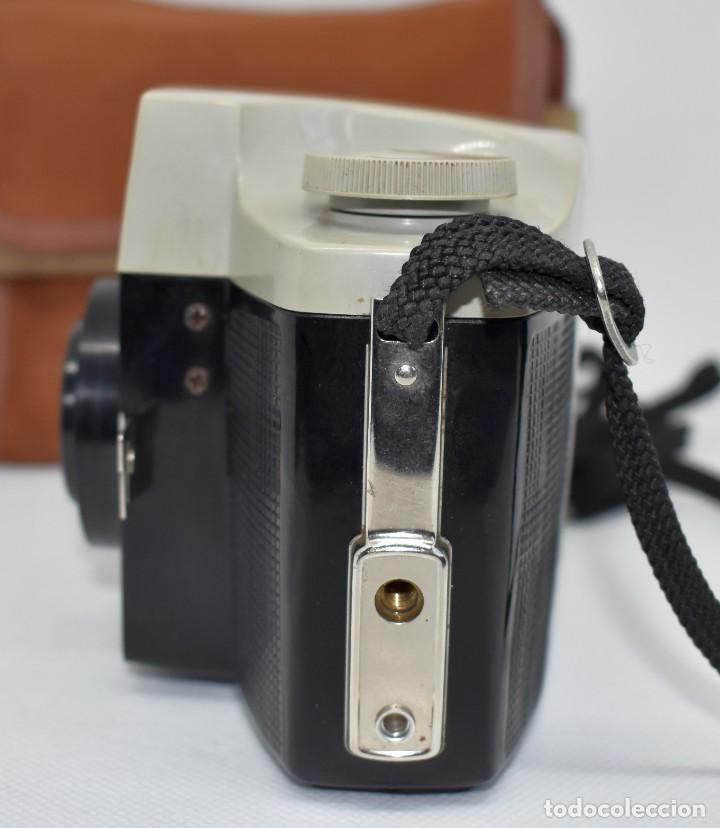 Cámara de fotos: CAMARA ANTIGUA, 120FILM..KODAK BROWNIE CRESTA 3 + FUNDA..INGLATERRA 1960..MUY BUEN ESTADO..FUNCIONA - Foto 5 - 288014968