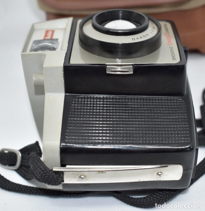 Cámara de fotos: CAMARA ANTIGUA, 120FILM..KODAK BROWNIE CRESTA 3 + FUNDA..INGLATERRA 1960..MUY BUEN ESTADO..FUNCIONA - Foto 10 - 288014968