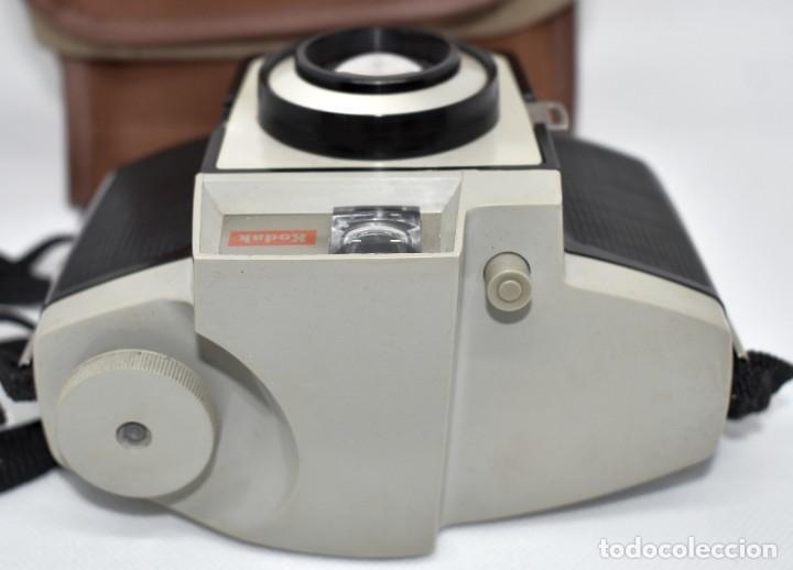 Cámara de fotos: CAMARA ANTIGUA, 120FILM..KODAK BROWNIE CRESTA 3 + FUNDA..INGLATERRA 1960..MUY BUEN ESTADO..FUNCIONA - Foto 13 - 288014968