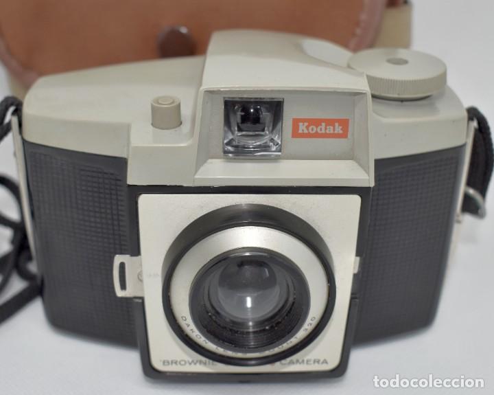 Cámara de fotos: CAMARA ANTIGUA, 120FILM..KODAK BROWNIE CRESTA 3 + FUNDA..INGLATERRA 1960..MUY BUEN ESTADO..FUNCIONA - Foto 15 - 288014968
