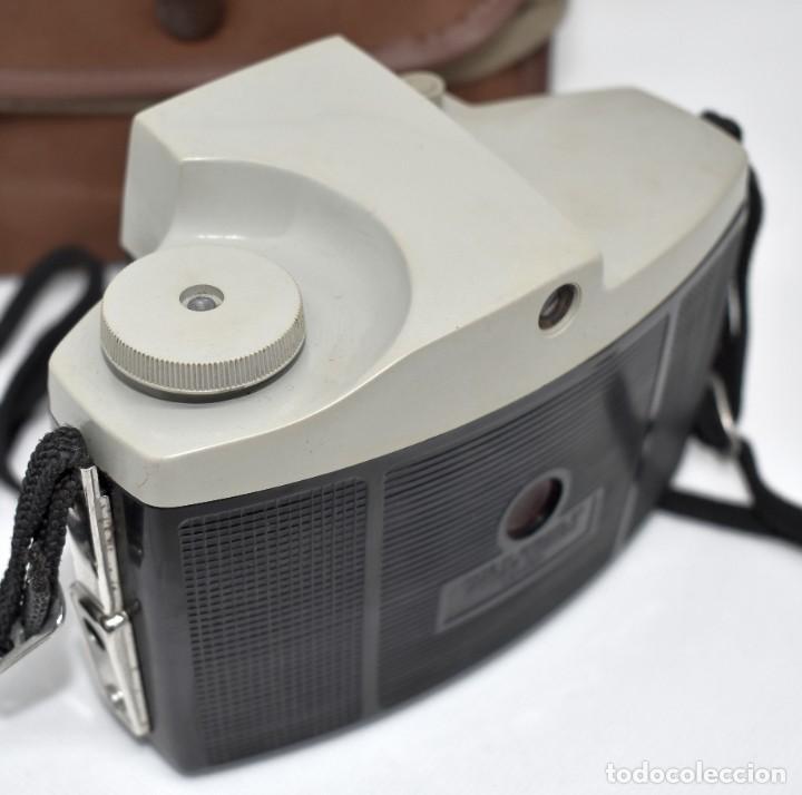 Cámara de fotos: CAMARA ANTIGUA, 120FILM..KODAK BROWNIE CRESTA 3 + FUNDA..INGLATERRA 1960..MUY BUEN ESTADO..FUNCIONA - Foto 17 - 288014968
