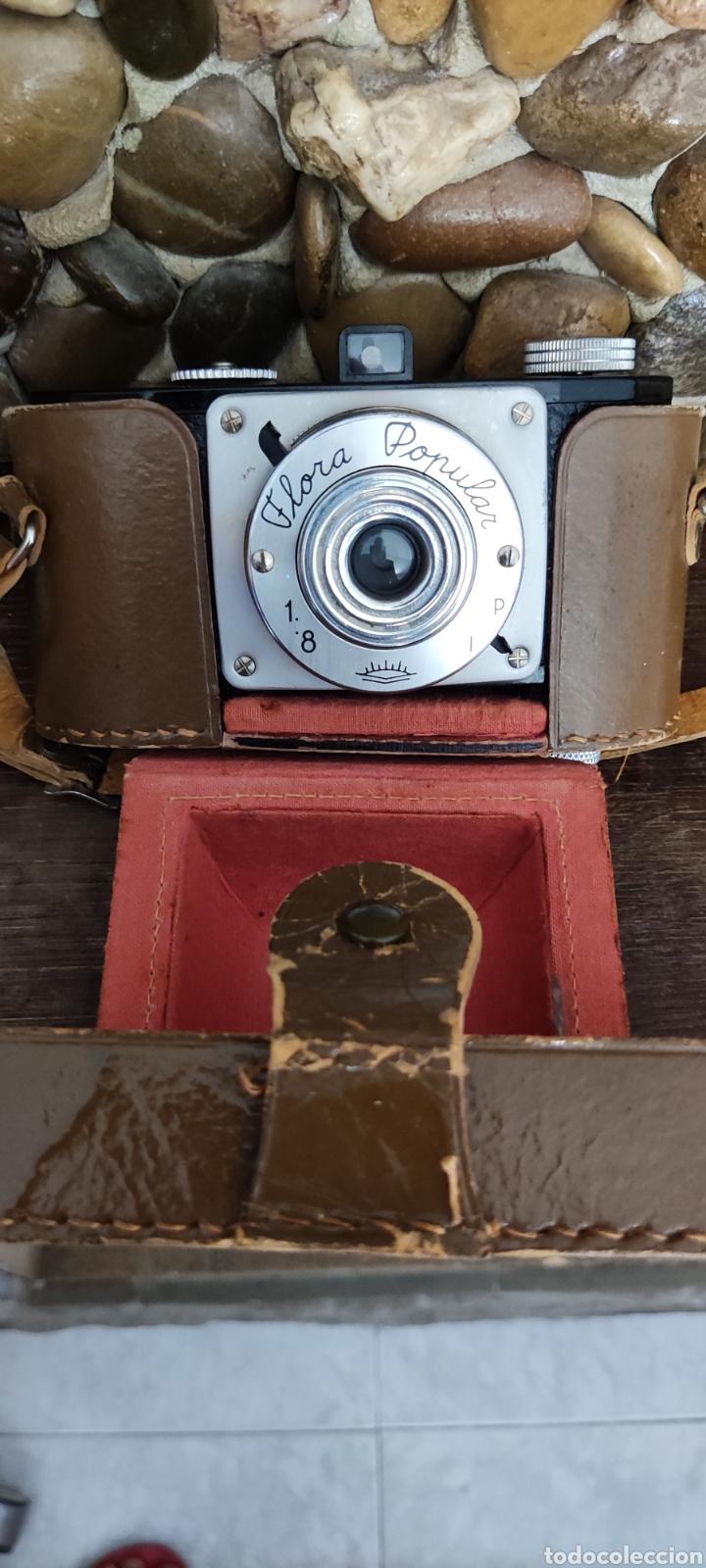 Cámara de fotos: Antigua cámara fotográfica Flora Popular fabricada en España con Su funda - Foto 5 - 288050808