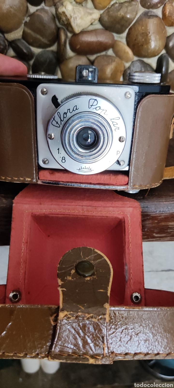 Cámara de fotos: Antigua cámara fotográfica Flora Popular fabricada en España con Su funda - Foto 7 - 288050808