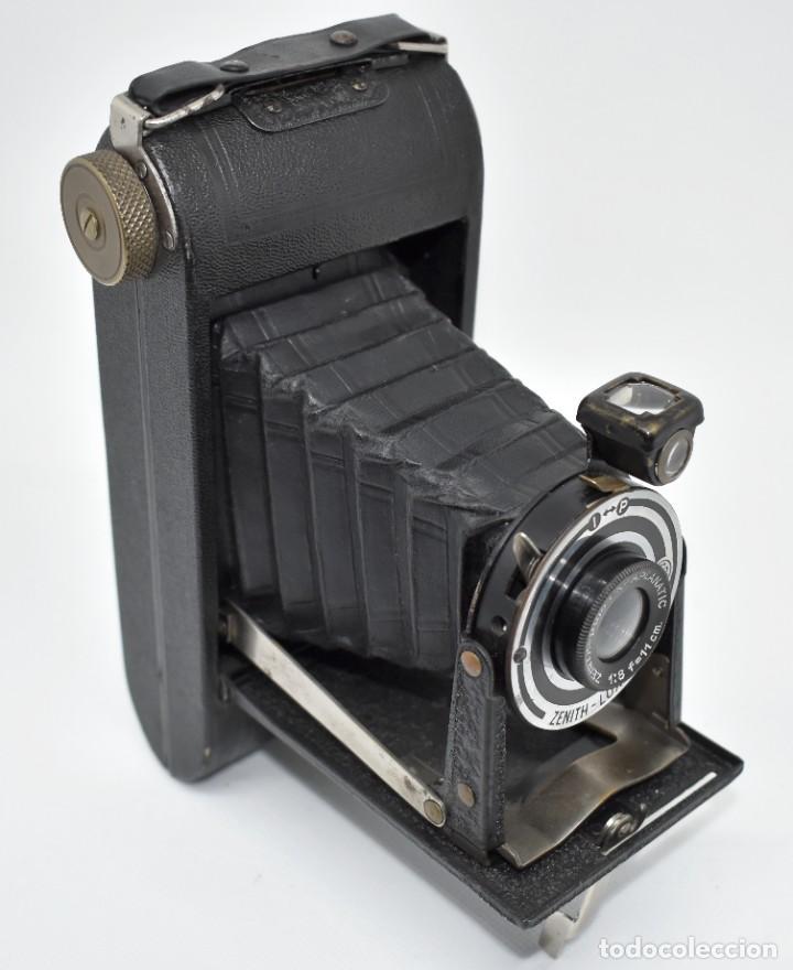 RAREZA, DESCONOCIDA..120 FILM..ZENITH SUPER..DE 1930-1940..MUY BUEN ESTADO..FUNCIONA (Cámaras Fotográficas - Antiguas (hasta 1950))