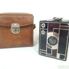 Cámara de fotos: KODAK BEAU BROWNIE N°2. 1930.. Lote 295710503