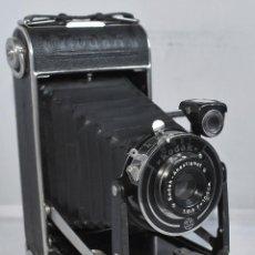 Cámara de fotos: ART DECO, III REICH.CAMARA ANTIGUA FUELLE..KODAK JUNIOR 620..ALEMANIA 1937..MUY BUEN ESTADO.FUNCIONA. Lote 297087003