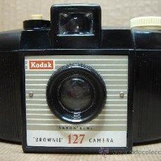 Cámara de fotos: CAMARA FOTOGRAFICA KODAK BROWNIE 127 DAKON LENS - BAQUELITA - ENGLAND 1959 ¡¡ ¡¡¡. Lote 26810368