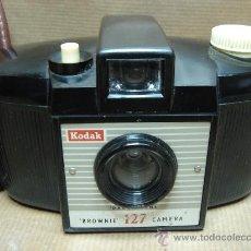 Cámara de fotos: CAMARA FOTOGRAFICA KODAK BROWNIE 127 - BAQUELITA - ENGLAND 1959 + FUNDA ¡¡ ¡¡¡. Lote 26652887