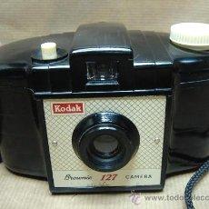 Cámara de fotos: CAMARA FOTOGRAFICA KODAK BROWNIE 127 - BAQUELITA - ENGLAND 1959 + FUNDA ¡¡ ¡¡¡ . Lote 26474071
