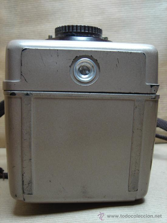 Cámara de fotos: ANTIGUA CAMARA DE FOTOS BAQUELITA - KODAK BROWNIE BULL´S-EYE - 1954 - 1958 - MARRON BULLS - Foto 6 - 26287871