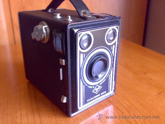 ANTIGUA CAMARA AGFA SYNCHRO BOX, MADE IN GERMANY (Cámaras Fotográficas - Clásicas (no réflex))