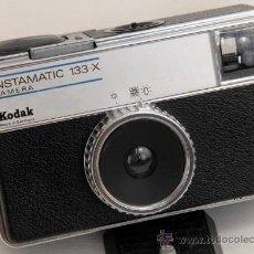 Cámara de fotos: KODAK INSTAMATIC 133X. Lote 27965632