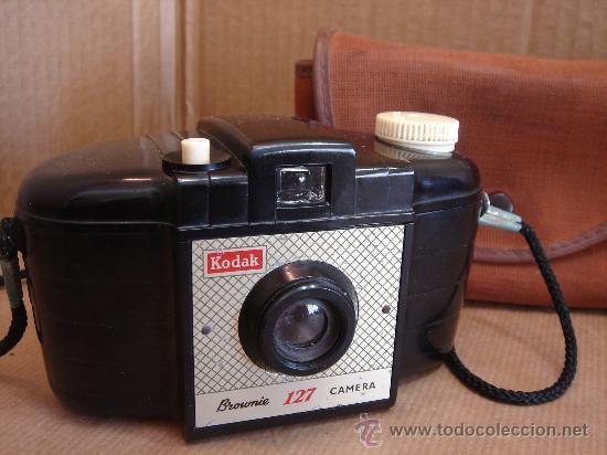CAMARA FOTOGRAFICA KODAK BROWNIE 127 - BAQUELITA - ENGLAND 1959 + FUNDA ¡¡ ¡¡¡ (Cámaras Fotográficas - Clásicas (no réflex))