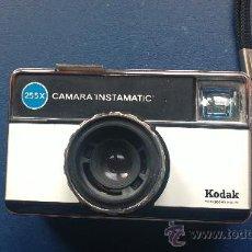Cámara de fotos: &-ANTIGUA CAMARA DE FOTOS-KODAK-INSTAMATIC(255X). Lote 31288145