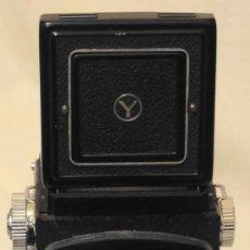 Cámara de fotos: YASHICA MAT MEDIO FORMATO PROFESIONAL, 16MM Y 35MM. Lote 34680855
