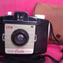 Cámara de fotos: ANTIGUA CAMARA KODAK BROWNIE CRESTA LA PRIMERA DE LA SERIE AÑO 1955 EN UNITED KINGDOM CON ESTUCHE. Lote 46379786