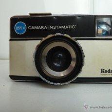 Cámara de fotos: KODAK 255X INSTAMATIC CAMERA VINTAGE. Lote 49379291