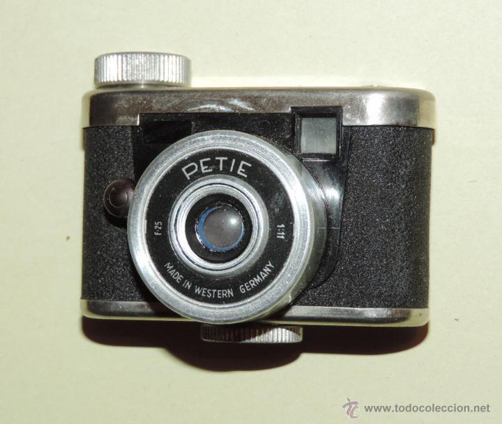 Cámara de fotos: CÁMARA DE FOTOS MINIATURA MARCA PETIE, PETI KAMERA, MADE IN GERMANY. PETIE 4 X 5 CMS. funcionando - Foto 8 - 51252201