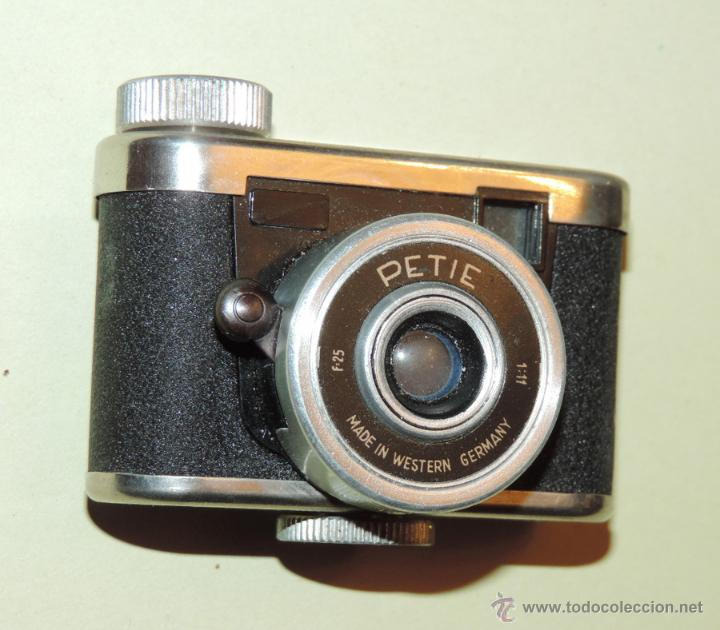 Cámara de fotos: CÁMARA DE FOTOS MINIATURA MARCA PETIE, PETI KAMERA, MADE IN GERMANY. PETIE 4 X 5 CMS. funcionando - Foto 9 - 51252201