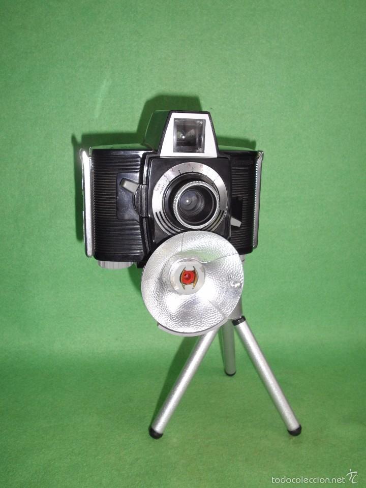 CURIOSA CAMARA FOTOGRAFICA FERRANIA EURALUX 44 RARO FLASH PLEGABLE ITALIA 1961 FOTO VINTAGE LOMO (Cámaras Fotográficas - Clásicas (no réflex))