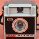 Cámara de fotos: CAMARA FOTOGRAFICA KODAK. MODELO BROWNIE FIESTA. ESPAÑA. CIRCA 1960.. Lote 58364388