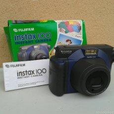 Cámara de fotos: CAMARA DE FOTOS INSTANTANEA FUJI FUJIFILM INSTAX 100 FUNCIONA PERO NO EXPULSA LAS FOTOS. Lote 61295953