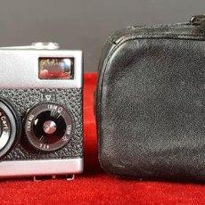 Cámara de fotos: CAMARA FOTOGRAFICA. ROLLEI 35. FUNDA ORIGINAL EN CUERO. ALEMANIA. 1966/1970.. Lote 78851945