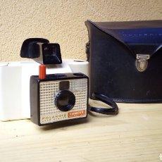 Cámara de fotos: CAMARA DE FOTOS POLAROID SWINGER MODEL 20 LAND CAMERA CON FUNDA. Lote 81722751