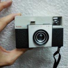 Cámara de fotos: CÁMARA DE FOTOS KODAK INSTAMATIC 25.NO SE HA PROBADO.. Lote 103125680