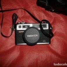 Cámara de fotos: CÁMARA FOTOGRÁFICA YASHICA ELECTRO 35 GS CON SU FUNDA ORIGINAL E INSTRUCCIONES. Lote 105763763