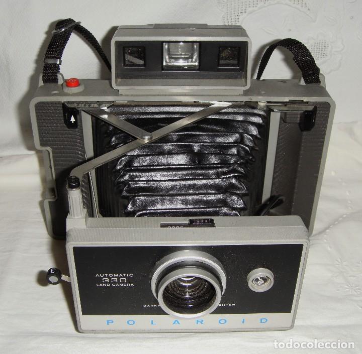 Cámara de fotos: Cámara instantánea de fuelle. Polaroid Automatic 330. Con funda y bombillas de flash. - Foto 3 - 108546635