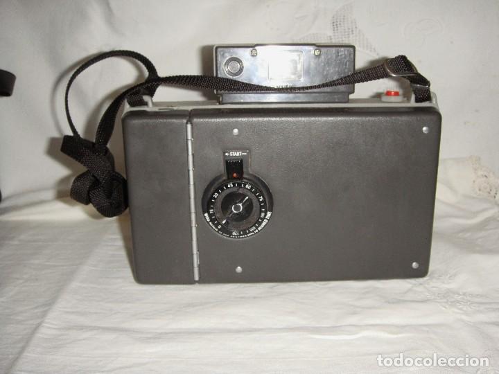 Cámara de fotos: Cámara instantánea de fuelle. Polaroid Automatic 330. Con funda y bombillas de flash. - Foto 7 - 108546635