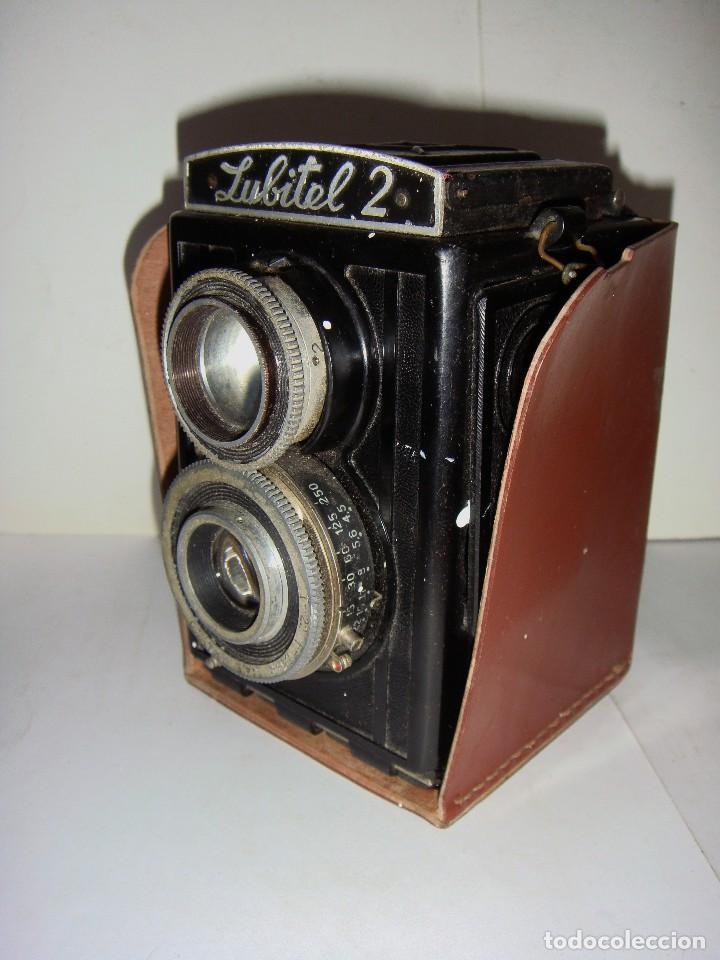 Cámara de fotos: Camara fotografica. LUBITE 2 TLR .Rusa. Objetivo (Lomo T22 75mm f 4,5) Año 1955. - Foto 2 - 126547811