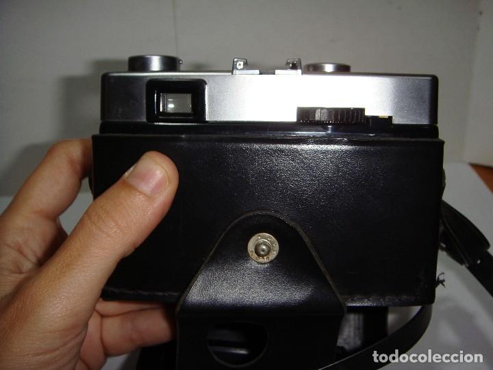 Cámara de fotos: Cámara de Fotos WERLISA CLUB COLOR. Año 1.976. Incluye funda y correa para colgar. - Foto 4 - 126548999