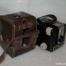 Cámara de fotos - Kodak Brownie Flash con su funda original . No probada. - 127739067