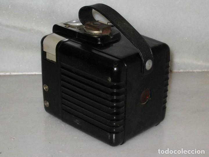 Cámara de fotos: Kodak Brownie Flash con su funda original . No probada. - Foto 5 - 127739067