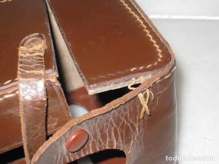 Cámara de fotos: Kodak Brownie Flash con su funda original . No probada. - Foto 9 - 127739067