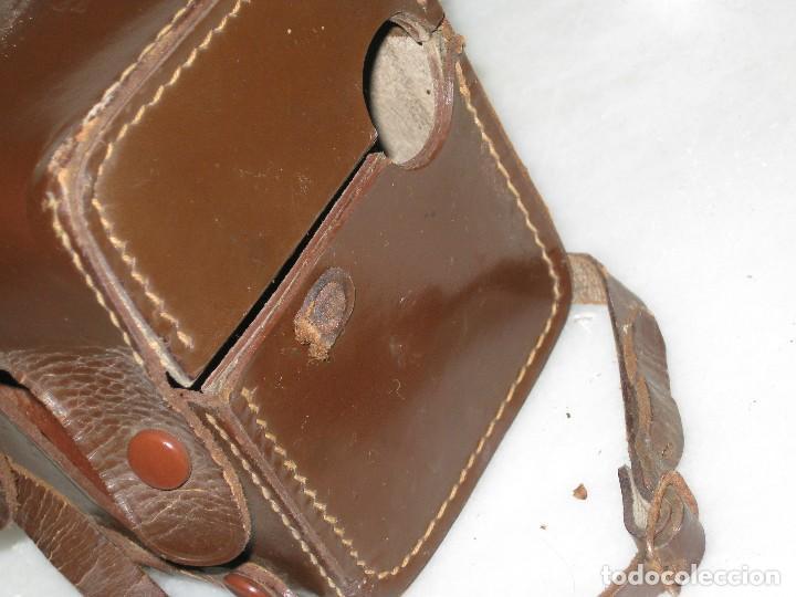 Cámara de fotos: Kodak Brownie Flash con su funda original . No probada. - Foto 10 - 127739067