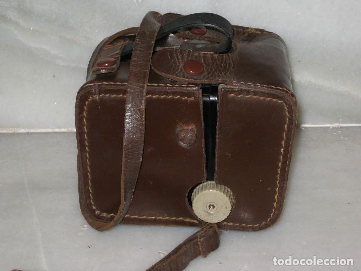 Cámara de fotos: Kodak Brownie Flash con su funda original . No probada. - Foto 14 - 127739067