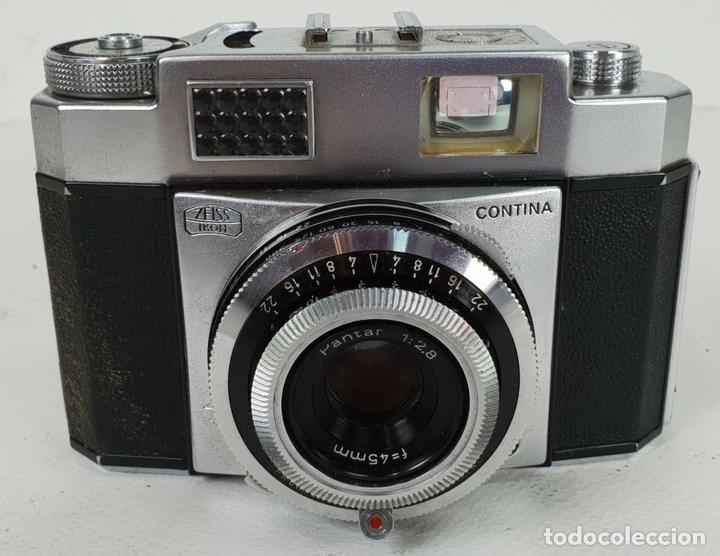 Cámara de fotos: CAMARA FOTOGRAFICA. ZEISS IKON CONTINA. FUNDA ORIGINAL MÁS TRIPODE. CIRCA 1950. - Foto 3 - 132071830