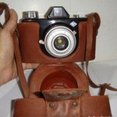 Cámara de fotos: ANTIGUA CAMARA BAQUELITA AGFA CLICK I + FUNDA . Lote 132379730