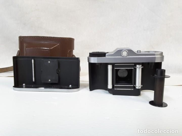 Cámara de fotos: Zeiss Ikon Taxona. Con objetivo Tessar Carl Zeiss, 1955 - Foto 5 - 134348162