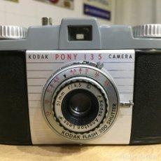 Cámara de fotos: KODAK PONY 135. Lote 135443486