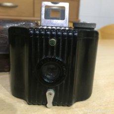 Cámara de fotos: KODAK BABY BROWNIE. Lote 136311934