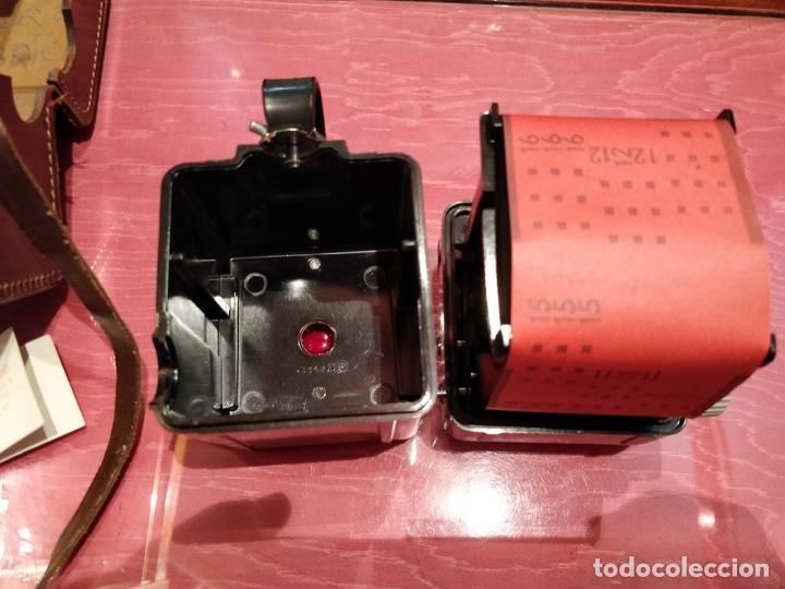 Cámara de fotos: Cámara Kodak Brownie Flash vintage años 50-60s color negro y funda original de cuero - Foto 6 - 140829690