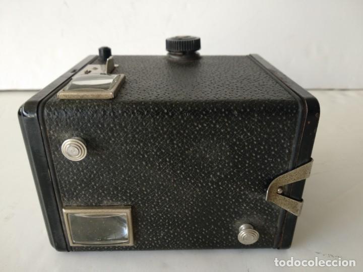 Cámara de fotos: KODAK BROWNIE FLASH II.AÑO 1958.FUNCIONA .ART DECO - Foto 3 - 142526458