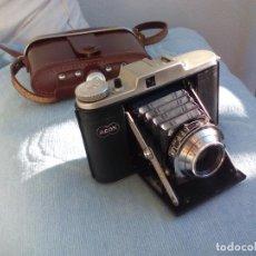 Cámara de fotos: ANTIGUA CÁMARA FOTOGRÁFICA DE FUELLE ADOX GOLF, VARIO AXONAR, CON SU ESTUCHE ORIGINAL. . Lote 142778750