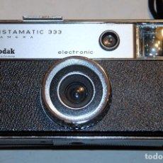 Cámara de fotos: KODAK INSTAMATIC 333 CAMERA. Lote 143092150