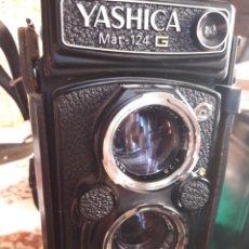 Cámara de fotos: YASHICA MAT 124 G.NUM DE SERIE.310****.1970/71.COMO NUEVA.MUY CUIDADA.COMPLETA Y ACCESORIOS.LENTES.. Lote 145663174